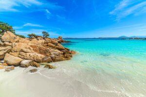 Почивка в Сардиния – потвърдена дата през юни! Чартърен полет и 7 нощувки!